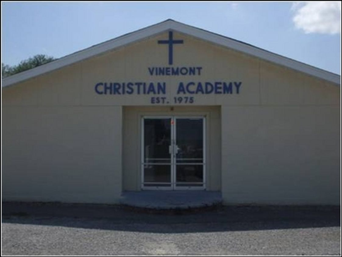 Vinemont Christian Academy Photo #1 - Vinemont Christian Academy (On-Campus) 21325 US Hwy 31 Vinemont, AL 35179 256-734-2882