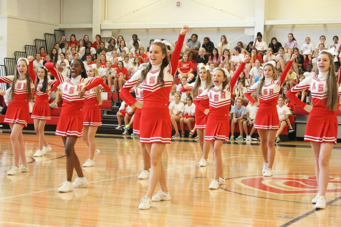 Academy Of The Sacred Heart Photo - Sacred Heart cheerleaders at school Pep Rally