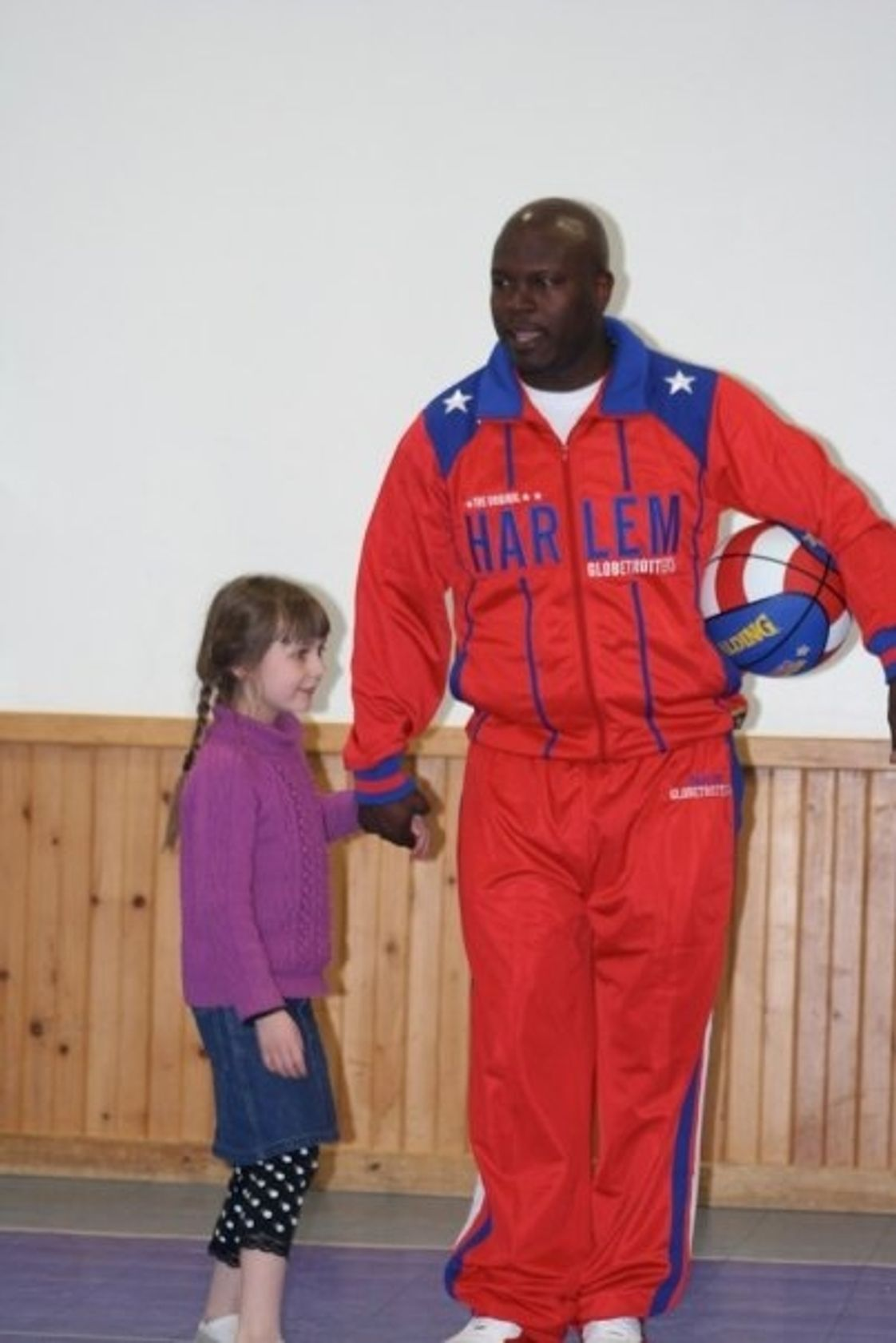 "Penobscot Christian School Photo - Eathan O'Bryant of the Harlem Globetrotters visited PCS in March 2009 to present the ""C.H.E.E.R. for Character"" program. It stood for ""Character, Healthy Mind & Body, Enthusiasm, Effort, Responsibility."""