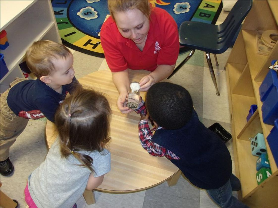 Palatine KinderCare Photo #1 - Miss Desiree engages our Discovery Preschool children in many science and sensory activities throughout the day!